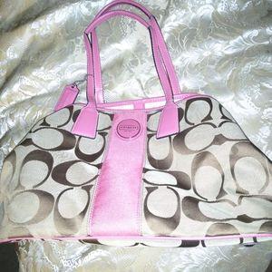 Medium size Coach purse